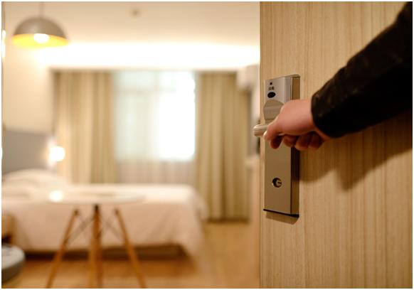 Sistemas de comunicación profesionales para el Sector Hotelero. Hotel Las Arenas y Alcatel-Lucent Oxo Connect.
